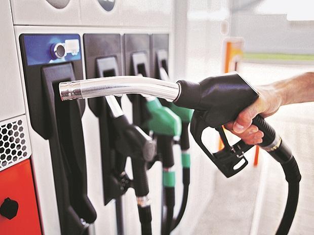 Giá xăng dầu hôm nay 3/4: Kết thúc tuần với mức tăng 3%