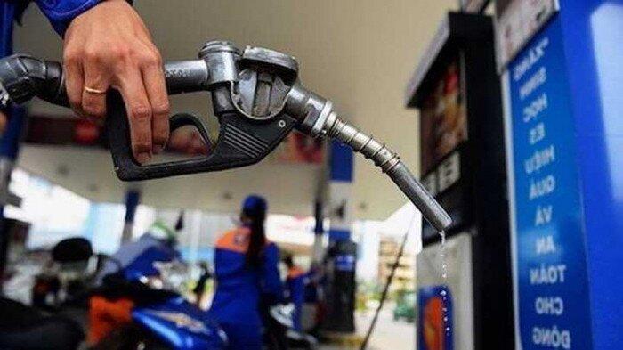Giá xăng dầu hôm nay 18/4: giá dầu tiếp tục lao dốc
