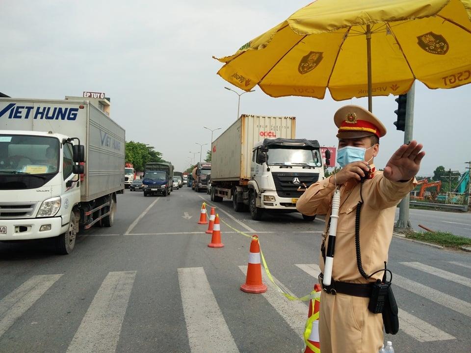 Hà Nội tăng cường tối đa lực lượng hỗ trợ vận tải hàng hóa