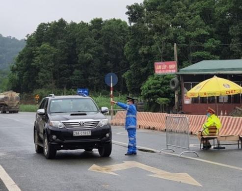 Hà Nội: Kiểm soát hơn 24.000 lượt phương tiện, xử phạt 11 trường hợp kinh doanh vi phạm