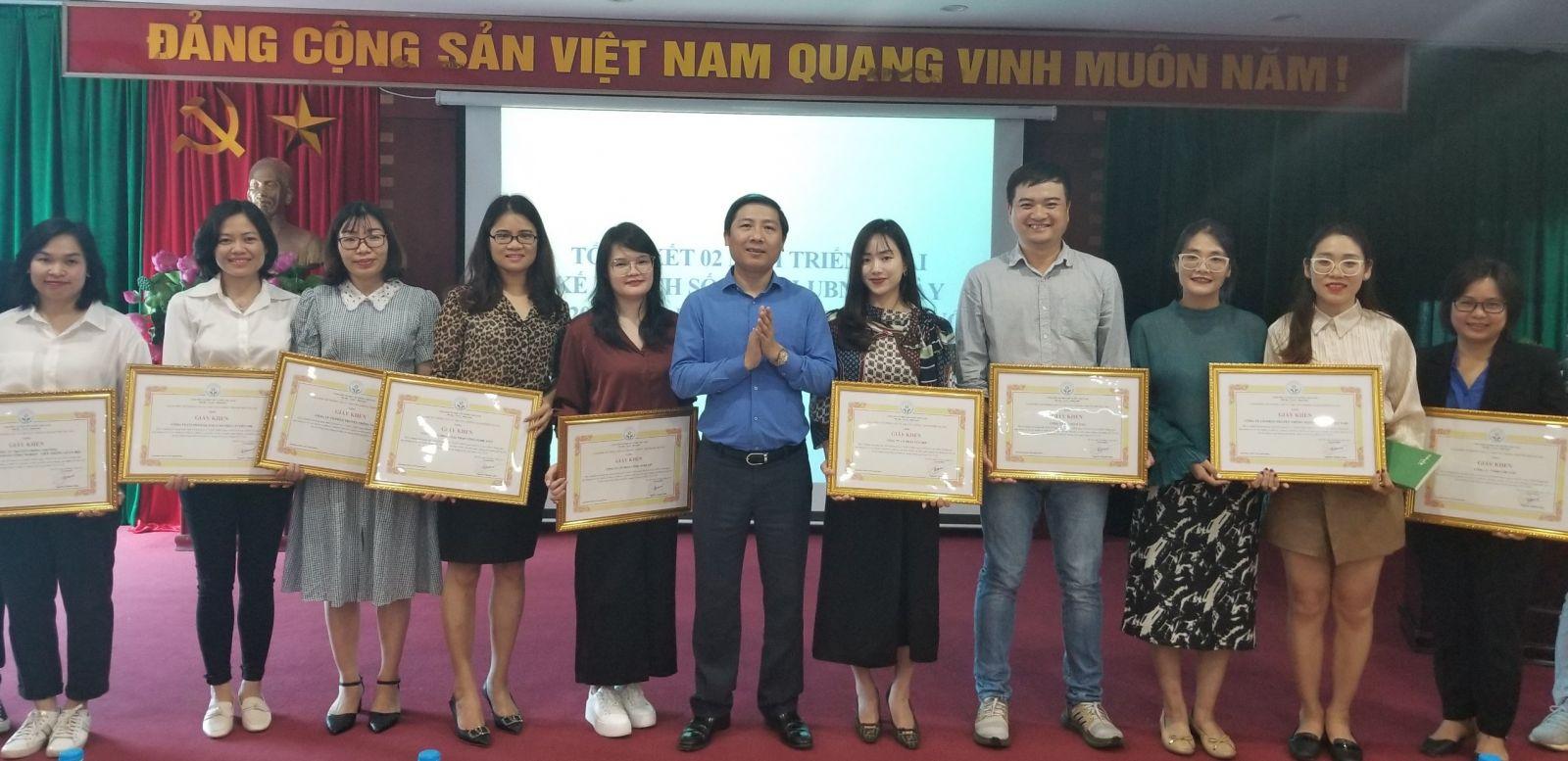 Tiêu Dùng Plus nhận giấy khen của Sở Thông tin & Truyền thông Hà Nội