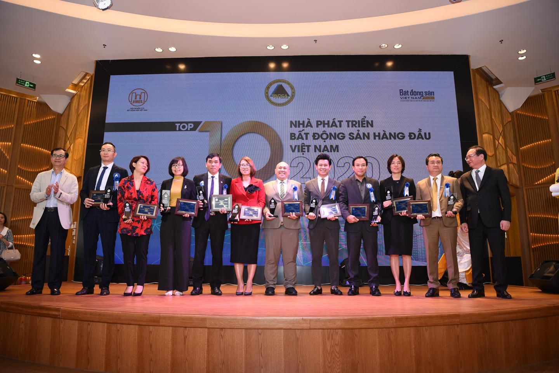 Lễ Vinh danh thương hiệu BĐS dẫn đầu năm 2020 - 2021 và Tọa đàm BĐS Mùa Xuân