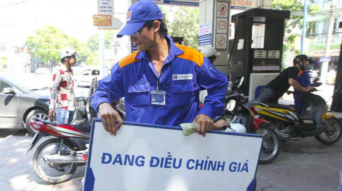 Hôm nay, giá xăng có thể sẽ tăng 600 đồng/lít