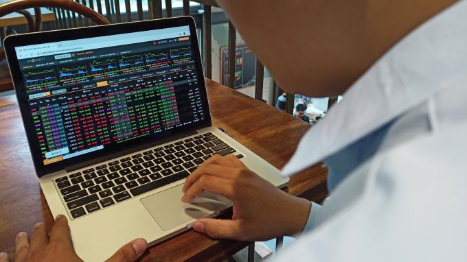 """Thị trường chứng khoán khó có cơ hội """"bùng nổ"""" trong tháng 3?"""