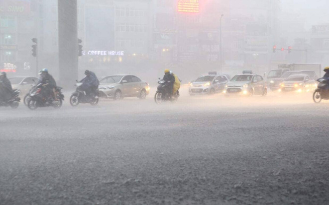 Dự báo thời tiết ngày 10/6: Cảnh báo mưa dông, lũ quét ở miền Bắc và miền Trung