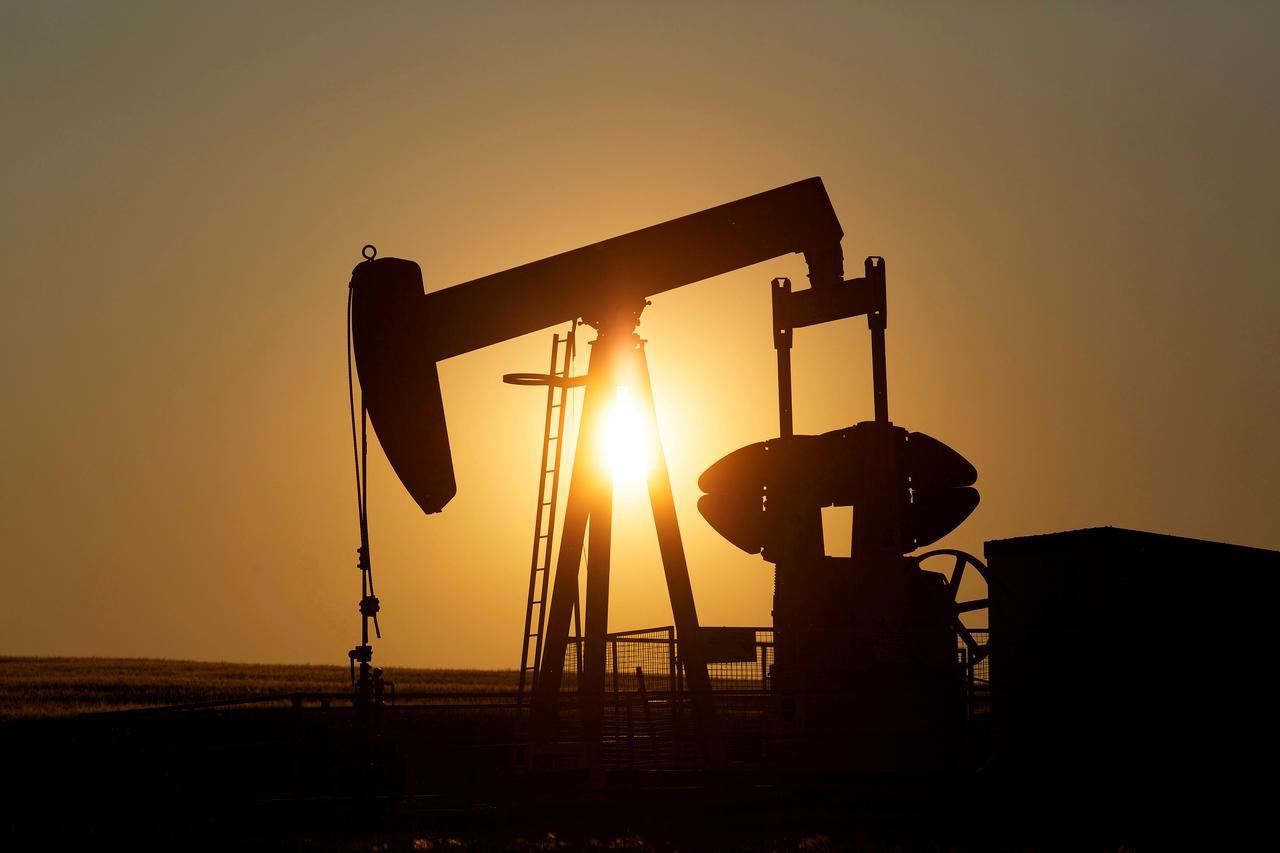 Giá xăng dầu hôm nay 22/4: trượt giá do diễn biến COVID-19 căng thẳng tại Ấn Độ