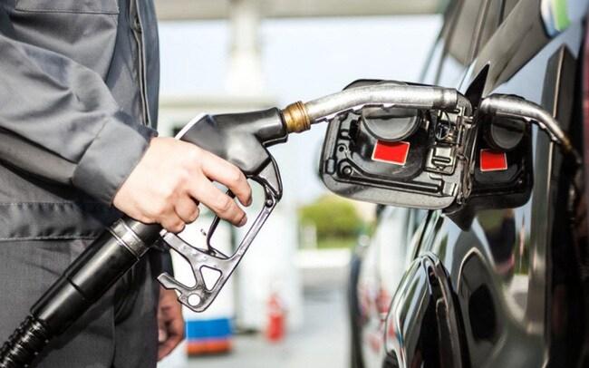 Giá xăng dầu hôm nay 1/5: Giảm mạnh trong phiên đầu tháng mới