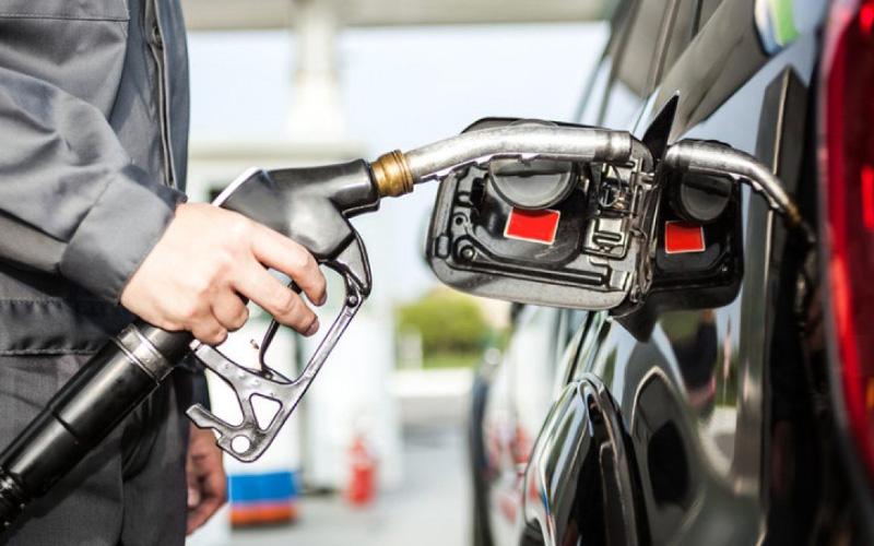 Giá xăng dầu hôm nay 20/5: Tiếp đà giảm giá