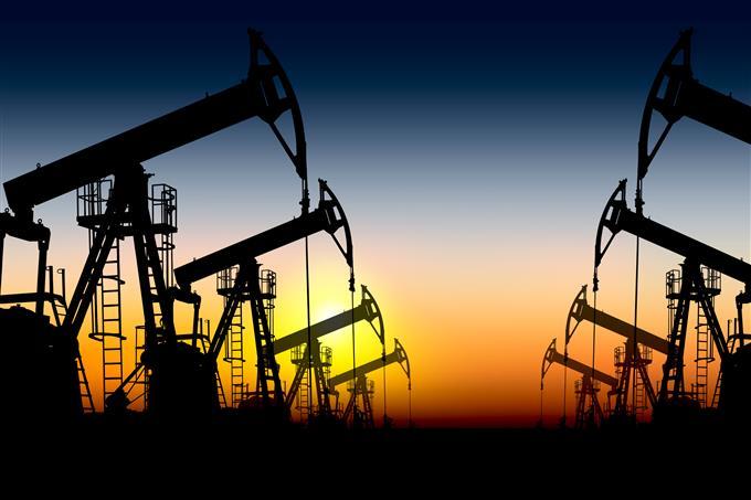 Giá xăng dầu hôm nay 25/4: giữ đà tăng cao