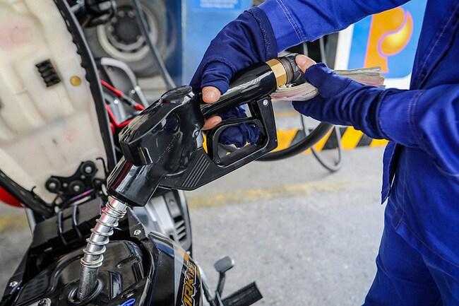 Giá xăng dầu hôm nay 30/3: Tăng mạnh sau lượt sụt giảm đầu tuần