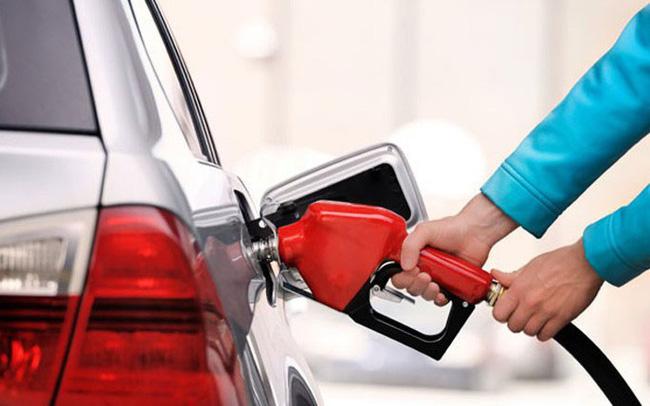 Giá xăng dầu hôm nay 4/5: Tiếp đà đi lên