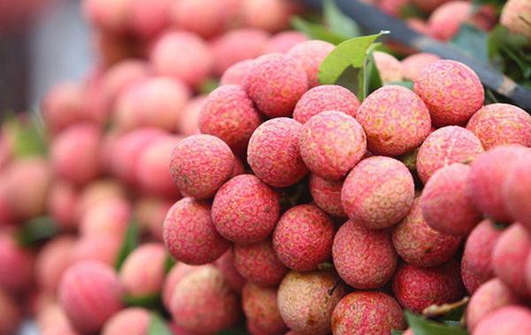 """Nông sản Việt được """"giải cứu"""" trên các chợ online"""