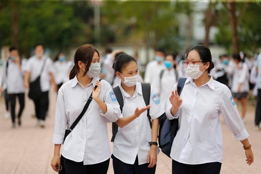 Hà Nội yêu cầu học sinh lớp 9 và lớp 12 không được ra khỏi thành phố