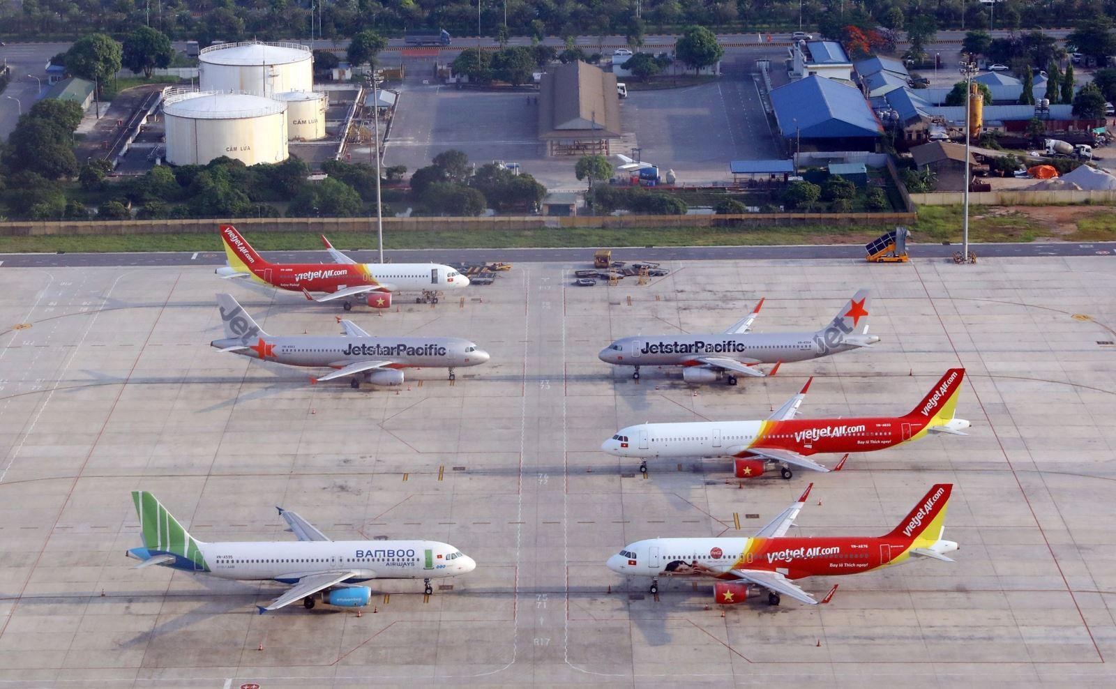 Từ 10/10 mở lại 10 đường bay nội địa, không có đường bay đi/đến Hà Nội