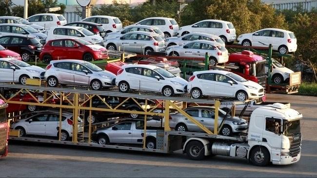 Việt Nam nhập khoảng 65.000 ô tô nguyên chiếc