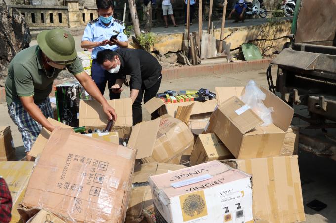 Tiêu hủy số hàng đông trùng hạ thảo Tây Tạng nhập lậu lớn nhất từ trước đến nay