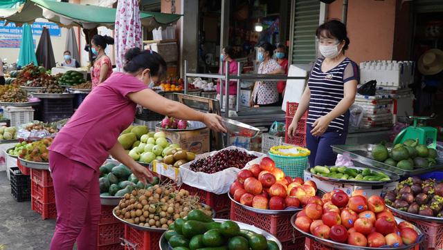 TP.HCM lên phương án mở lại chợ truyền thống