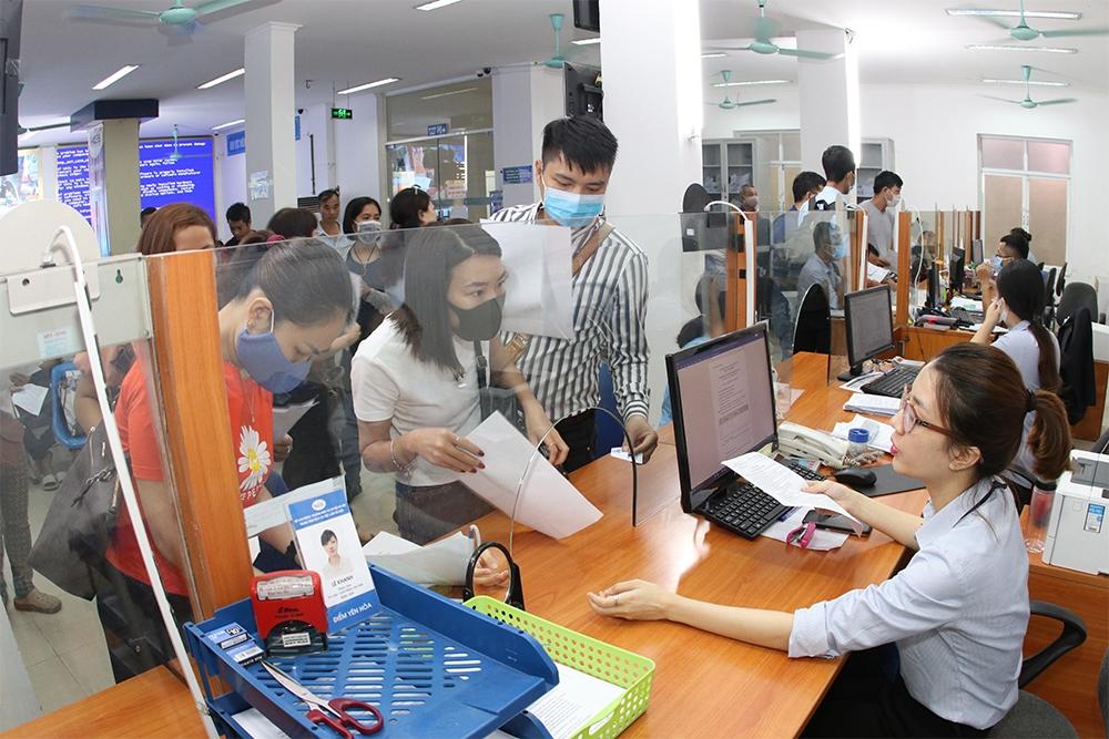 Phòng dịch Covid-19: Hà Nội tăng cường giải quyết hồ sơ trợ cấp thất nghiệp online