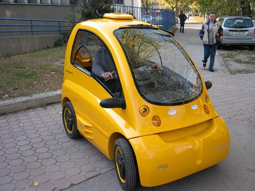 Ô tô điện Kenguru dành cho người đi xe lăn được bán tại châu Âu với giá 25.000 USD