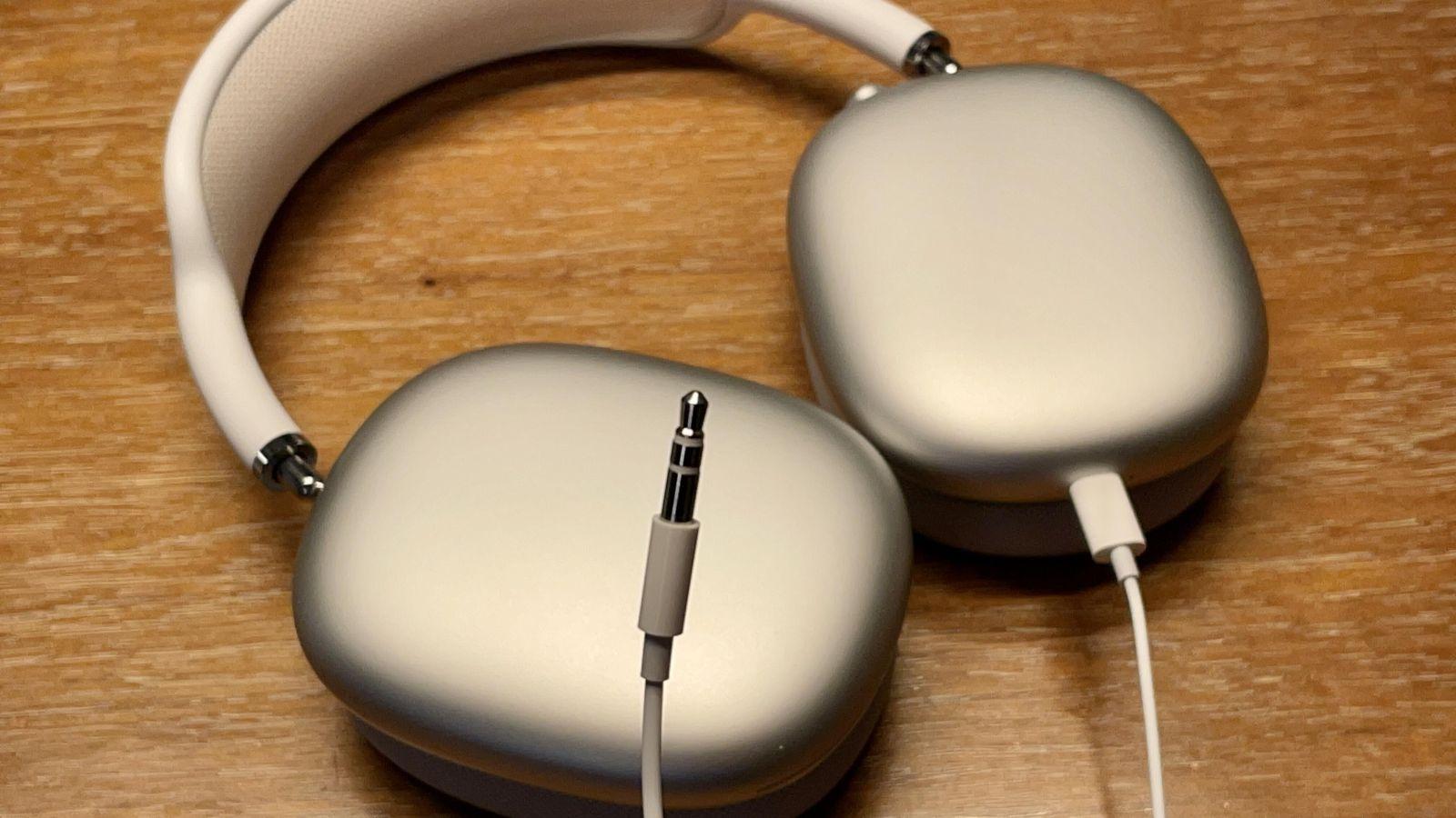 Tai nghe AirPods Max của Apple tiếp tục gặp lỗi hao pin ở chế độ chờ