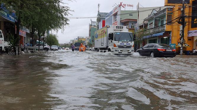 Nguy cơ bão số 6 hình thành trên Biển Đông, các tỉnh miền Trung sẽ mưa rất to