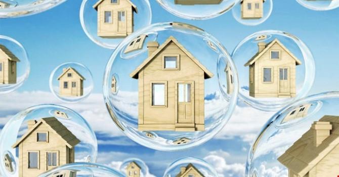 """VEPR """"quan ngại"""" bong bóng chứng khoán và bất động sản trong năm 2021"""