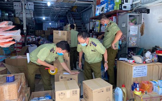 Tăng cường hợp tác quốc tế trong phòng chống buôn lậu, hàng giả