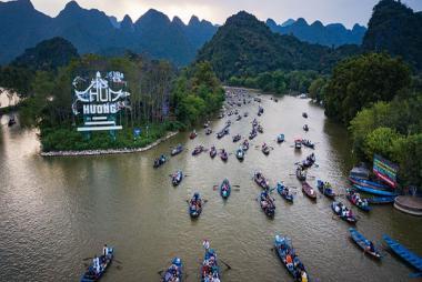Điểm danh các địa danh cầu tài lộc linh thiêng dịp đầu năm mới tại Hà Nội