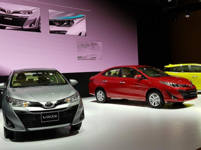 Năm 2020: Doanh số Toyota và Honda đi xuống