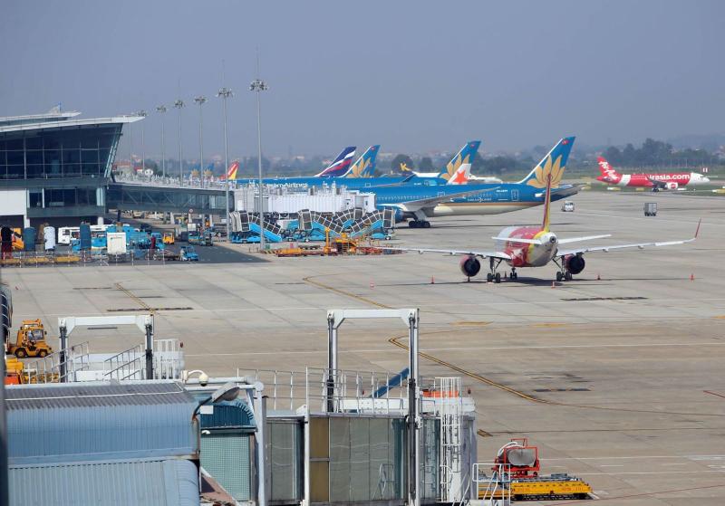 Hà Nội: Bỏ quy định cách ly tập trung với hành khách bay từ TP. HCM