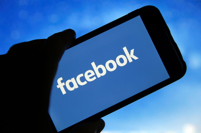 Facebook xóa nút ''like'' khỏi các trang công khai