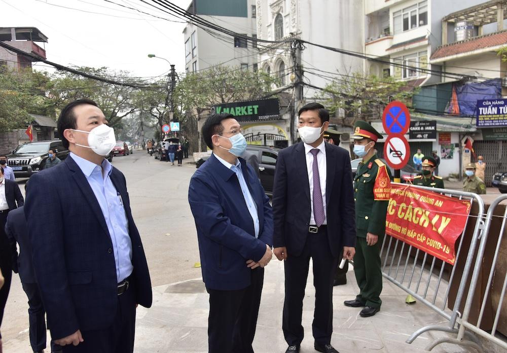 Bí thư Thành ủy Vương Đình Huệ yêu cầu ''chạy đua với thời gian'' tìm nguồn lây của bệnh nhân 2.229
