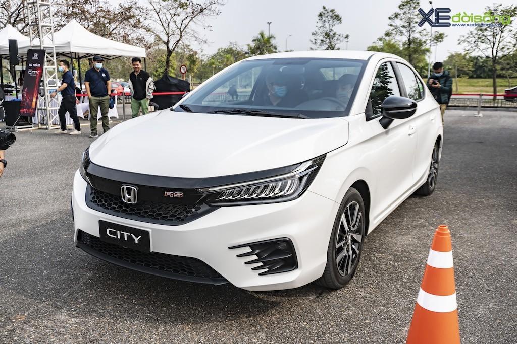 Honda Việt Nam bán được hơn 2,1 triệu xe máy và 24.418 xe ô tô trong năm 2020