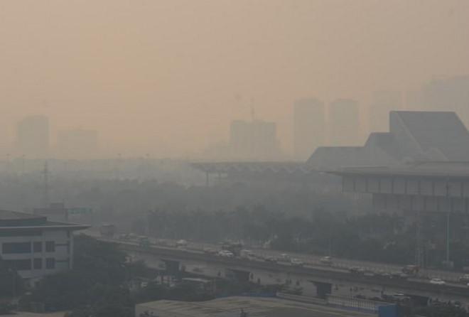 Hà Nội có chỉ số 'báo động đỏ', 1 điểm chất lượng không khí kém