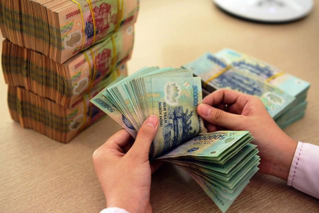 Lãi suất tăng vọt, Ngân hàng Nhà nước bơm ròng hơn 15.500 tỷ đồng