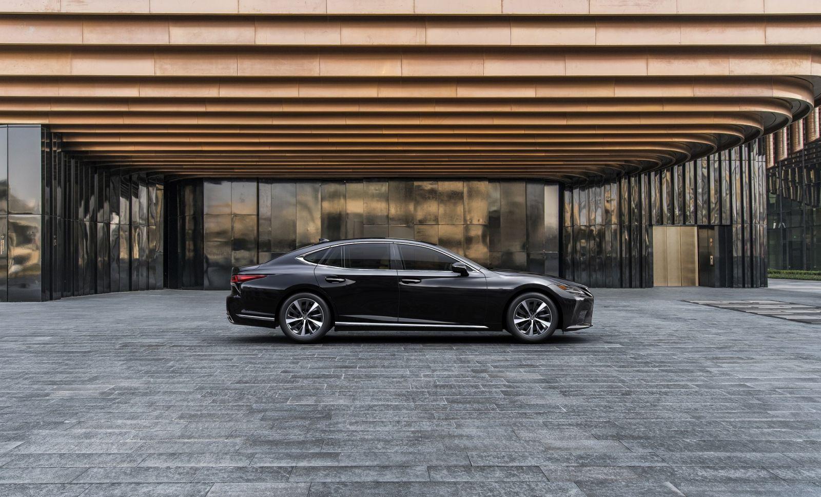 Lexus LS 500 và LS 500h 2021 ra mắt tại Việt Nam, giá từ 7,28 tỷ đồng