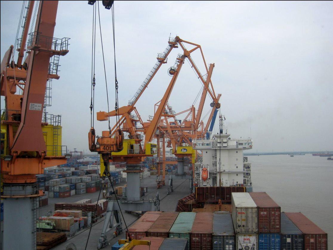 Nỗ lực đưa doanh nghiệp trở lại hoạt động, khôi phục sản xuất an toàn