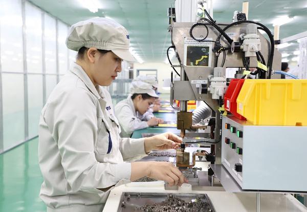 Việt Nam đầu tư ra nước ngoài tăng 32,4% so với cùng kỳ năm trước