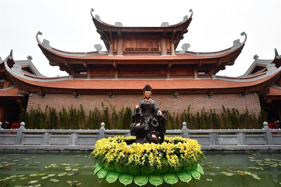 Núi Ba Đèo Quảng Ninh: Một điểm đến, hai trải nghiệm văn hóa phương Đông