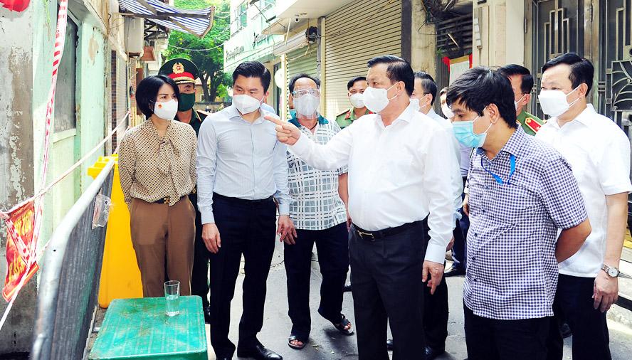 Bí thư Thành ủy Hà Nội Đinh Tiến Dũng: Triệt để khắc phục sơ hở, tập trung chặn dịch từ