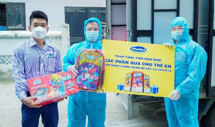 Vinamilk trao 8.400 hộp sữa và nhiều quà tặng cho trẻ em đang cách ly do dịch bệnh tại Điện Biên