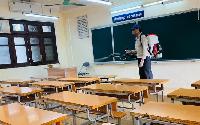 Các tỉnh, thành cho học sinh tạm dừng đến trường để phòng COVID-19