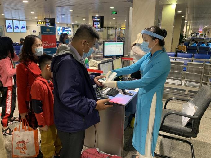 Các hãng hàng không phải từ chối vận chuyển với các khách hàng không khai báo y tế