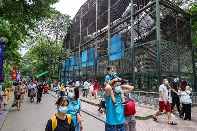 Hà Nội tạm dừng một số dịch vụ ăn uống, cắt tóc, gội đầu, tập thể dục ở công viên từ 12h ngày 25/5