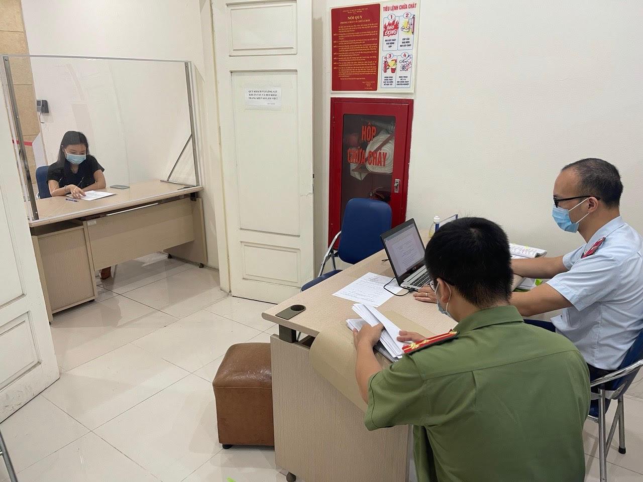 Hà Nội: 3 cá nhân bị xử phạt vì đăng tin sai phạm trên mạng xã hội