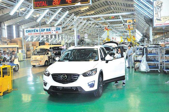 Bộ Tài chính đề xuất giảm 50% phí trước bạ cho ô tô sản xuất trong nước