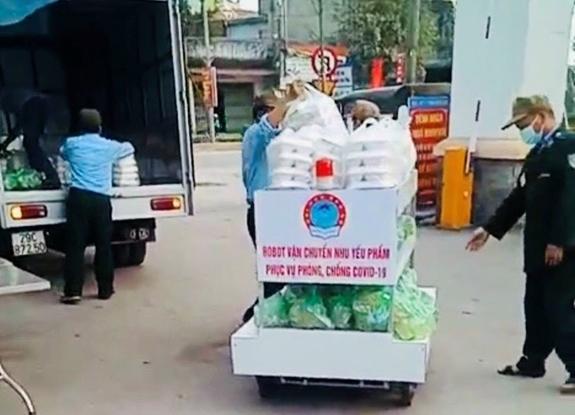Chế tạo thành công robot vận chuyển thực phẩm để phục vụ phòng, chống COVID-19