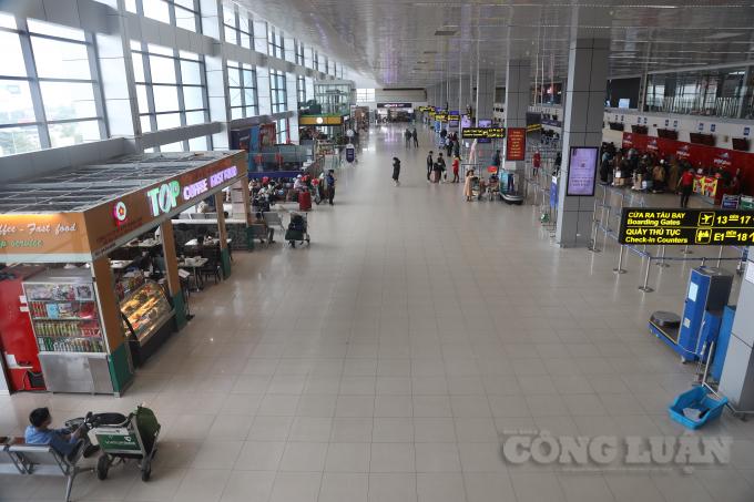 Sân bay Nội Bài vắng vẻ những ngày cận Tết