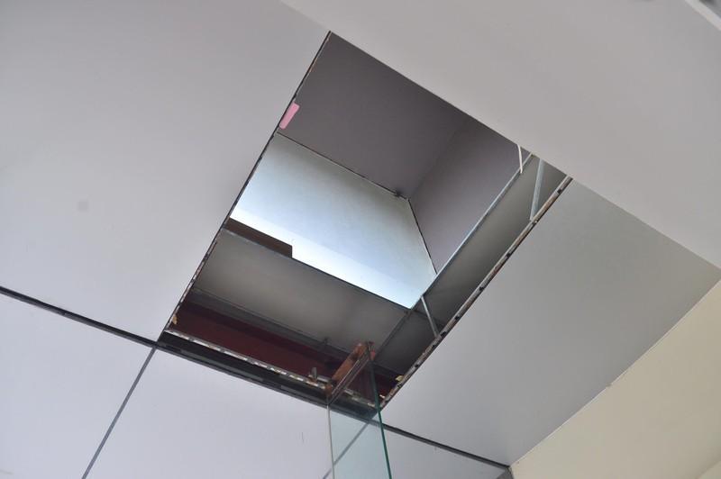 Nỗi lo chưa có hồi kết nhìn từ vụ sập trần ở chung cư Meco Complex