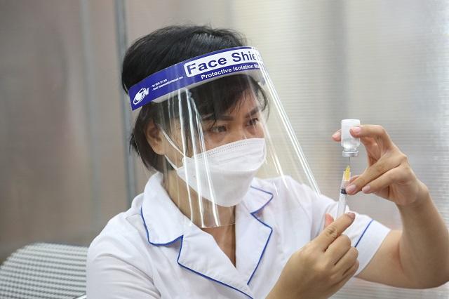 Sẵn sàng tiêm cho trẻ, chỉ chờ vaccine